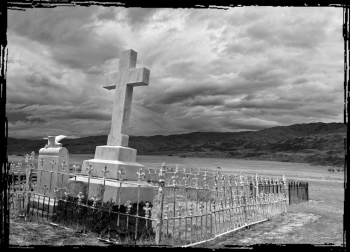 Headstone_in_the_Nevis_Valley_Cemetery_Black_White_Photo_of_Nevis_Valley_Cemetery_Graveyard