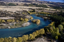 Switchback_on_the_Upper_Clutha_River_at_the_Devils_Nook_Luggate_Central_Otago_at_the_Confluence_with_Luggate_Creek_Contact_Energy_has_plans_for_hydroelectric_da