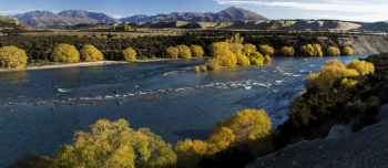 Pristine_NZ_waterway___Clutha_Mata_Au_River_and_Central_Otago_Autumn_Colours_near_Rekos_Point_Historic_Reserve_Lake_Wanaka_at_Luggate