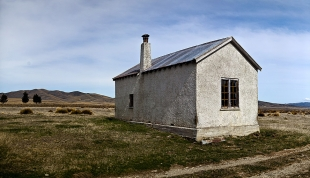 Cookhouse_on_the_Home_Hills_Road_near_the_Oteake_Conservation_Park_Central_Otago_Iconic_Central_Otago_Landscape_Landscapes_