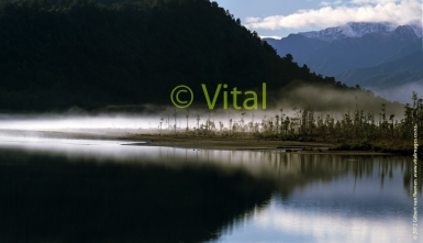 South_Westland_Lakes_Lake_Wahapo_Lake_Mapourika_in_Te_Wahi_Pounamu_Unesco_World_Heritage_Area