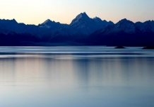 Aoraki_Mt_Cook_and_Lake_Pukaki_after_sunset_in_winter_NZ_New_Zealand_Southern_Alps_Lakes_Rivers_Glaciers_Mountains