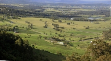 Hunter_Valley_NSW_Vineyards_from_Mt_Pleasant_near_Pokolbin_NSW