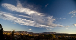 Central_Otago_Early_Morning_Light_over_the_Dunstan_Range_and_Cromwell_Gorge_from_above_the_Clutha_Mata_Au_River_near_Bridge_Hill_Alexandra